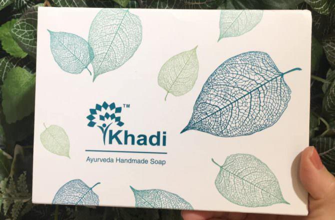 [ 好物 ] Kailash Khadi 草本精油手工皂,添加玫瑰純露與純精油的高級香皂,香氣怡人,洗後保濕潤澤,淡香可以持續很久~