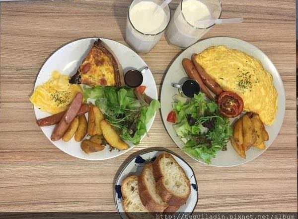 [ 食,台中 ] 小家朝食,小巷中的溫暖早午餐,歐姆蛋與鹹派都好美味~