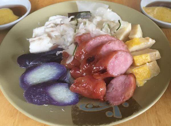 [ 食,台南 ] 阿龍香腸熟肉,台南保安路美食,鯊魚皮超Q彈美味