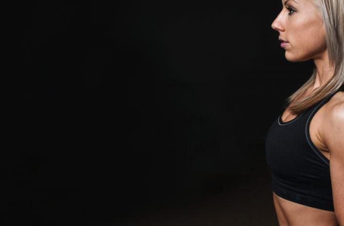 [ 健身/練胸 ]你不可不知的三步驟深V養成法,上胸無肉者必看,想要不擠胸就有溝就看這篇